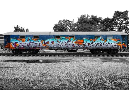 TASTE, OMSK167 and GESER painting the MOLOTOW™ Train
