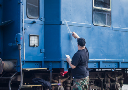 GLAZE painting the MOLOTOW Train