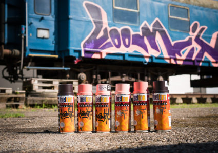 LOOMIT paints the MOLOTOW TRAIN