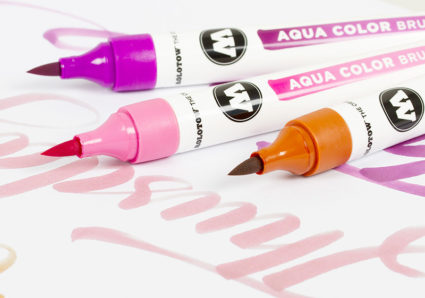 24 new color shades expand the color range of the AQUA COLOR BRUSH!